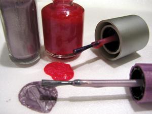 Qué contienen los esmaltes de uñas